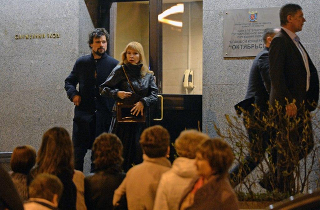 Данила Козловский с Надеждой Звенигородской на дне рождении Филиппа Киркорова, 30 апреля 2015